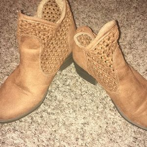 cute Ankle boots!